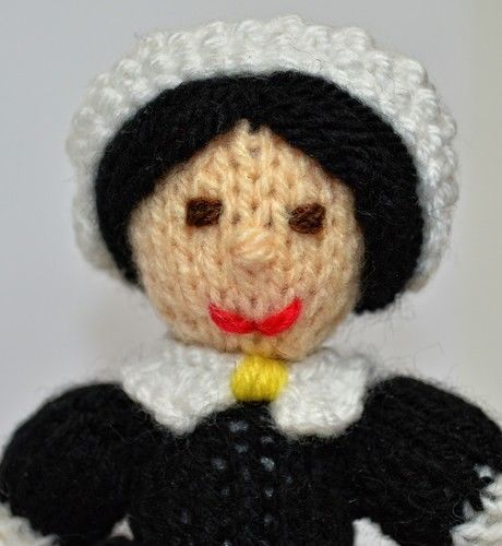 Makerist - Florence Nightingale Doll - DK Wool - Knitting Showcase - 2
