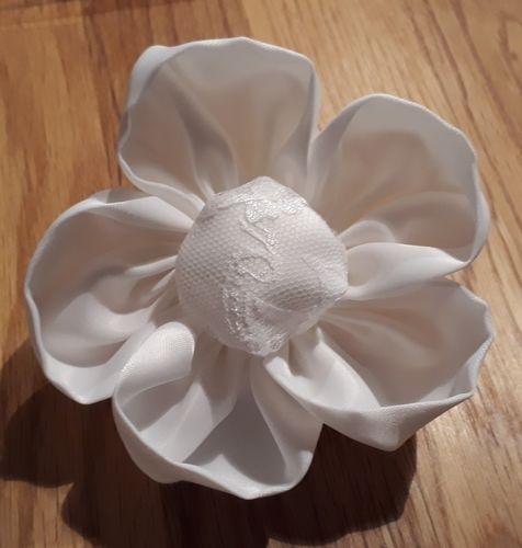 Makerist - Eine Blume für mein Brautkleid - Nähprojekte - 1