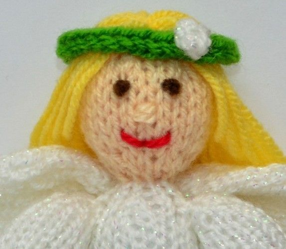 Makerist - Snowdrop Flower Fairy Doll - DK Wool - Knitting Showcase - 2