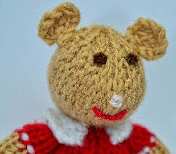 Makerist - Church Mouse - DK Wool - Knitting Showcase - 2