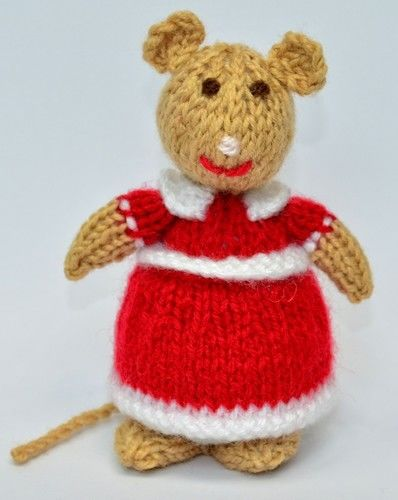Makerist - Church Mouse - DK Wool - Knitting Showcase - 3