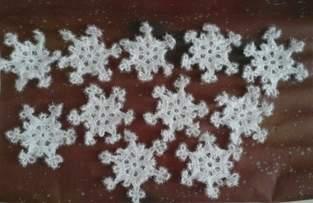 Flocons de neige au crochet en laine spectacle éponge