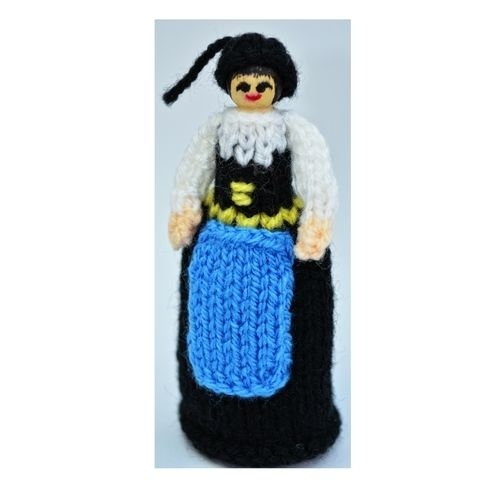 Makerist - Icelandic Costume Peg Doll - DK Wool - Knitting Showcase - 1
