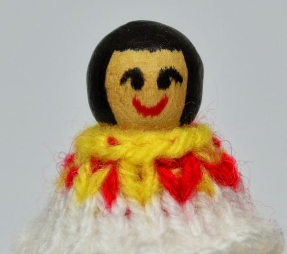 Makerist - Ancient Egyptian Peg Doll - DK Wool - Knitting Showcase - 3
