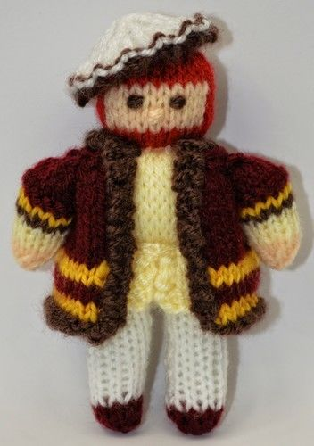 Makerist - King Henry VIII Doll - DK Wool - Knitting Showcase - 2