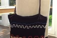 Makerist - Häkeltasche mit aufgestickten Luftmaschenschlangen - 1