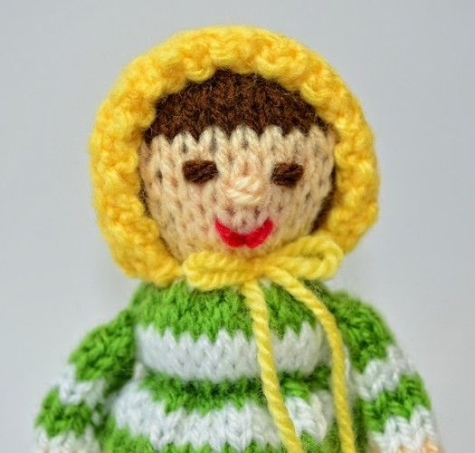 Makerist - Elinor Dashwood Doll Egg Cosy - DK Wool - Knitting Showcase - 2