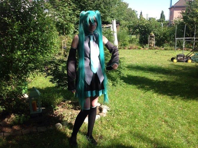Makerist - Hatsune miku -cosplay für die dokumi 2014 in Düsseldorf - Nähprojekte - 2