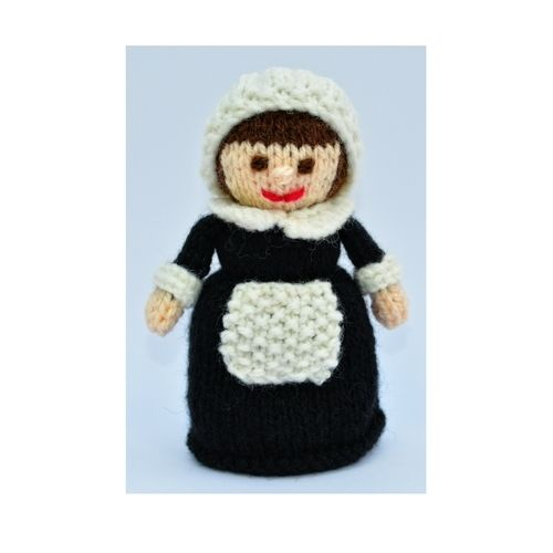 Makerist - Pilgrim Doll - DK Wool - Knitting Showcase - 1