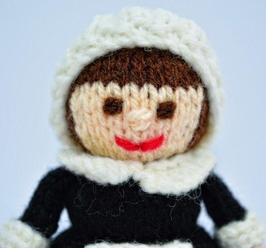 Makerist - Pilgrim Doll - DK Wool - Knitting Showcase - 3