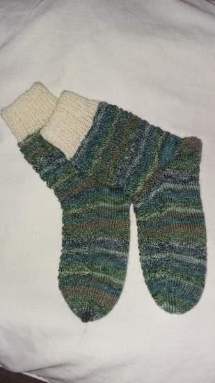 Socken im LinksRechtsZackenmuster, für meine kleine Tochter