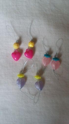 Makerist - Maschenmarkierer, aus der Perlenbox meiner kleinen u Angelsehne( das nächste Mal werde ich feines Schmuckdraht u Quetschperlen nehmen) - Strickprojekte - 1