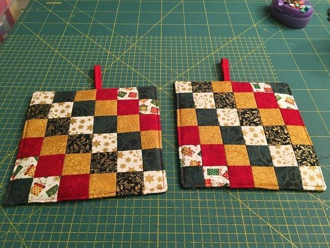 Makerist - Weihnachtstopflappen mit Quilters Grid - Nähprojekte - 1