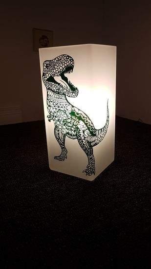 Trex aus Vinyl folie auf eine Lampe
