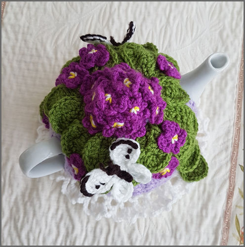 Makerist - Viola Posy Tea Cosy - Crochet Showcase - 3