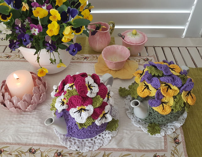 Makerist - Pansy Garden Tea Cosy - Crochet Showcase - 2