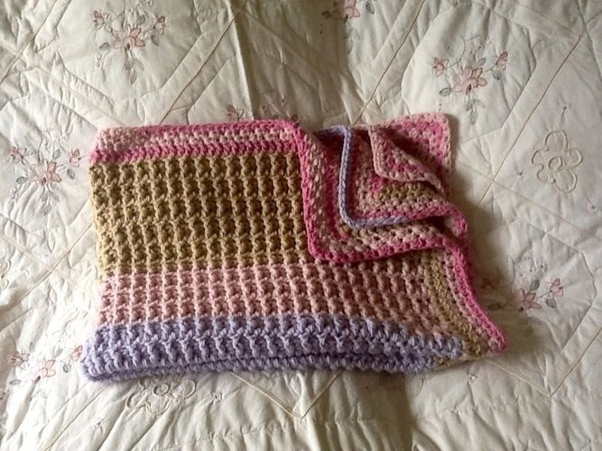 Makerist - Pretty Priscilla throw - Crochet Showcase - 2