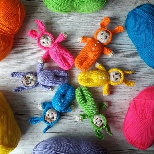 Makerist - Bright Easter Bunny Dolls - Knitting Showcase - 1