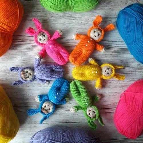 Makerist - Bright Easter Bunny Dolls - Knitting Showcase - 1