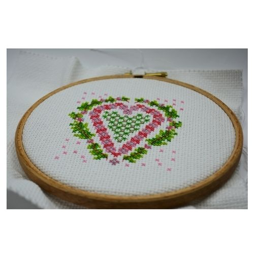 Makerist - Heart Counted Cross Stitch - Sewing Showcase - 2
