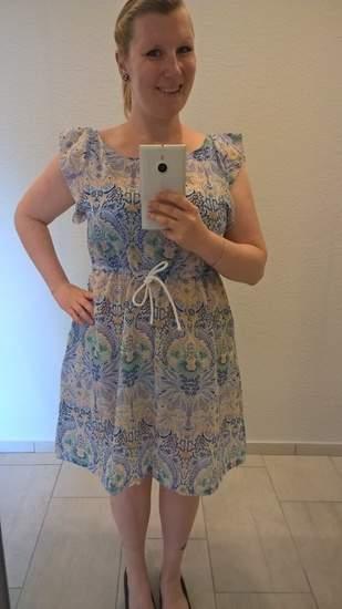 sommerliches Kleid aus leichter Webware