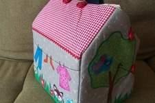Makerist - Puppenhaus für das Benähkind  - 1