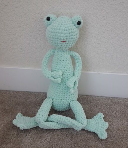 Makerist - Amigurumi – toy - Lilly the Frog -  crochet tutorial/pattern - Crochet Showcase - 1