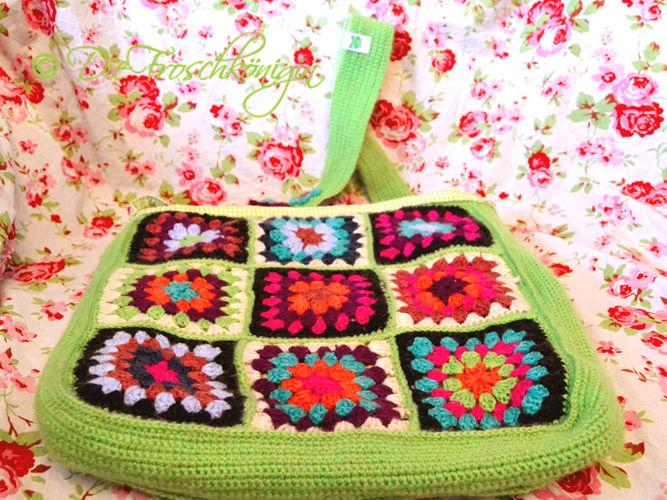 Makerist - Granny-Square-Schultertasche in frischen Frühlingsfarben - Häkelprojekte - 1