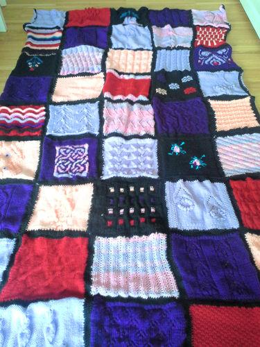 Makerist - Kuschelige Decke aus Strickquadraten - Strickprojekte - 1