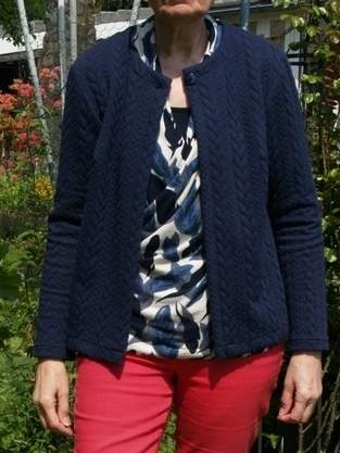 Strickjacke Betty aus Zopfmuster Jersey