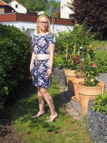Makerist - Ein/e Kleid/Bluse für jede Gelegenheit  - Nähprojekte - 1