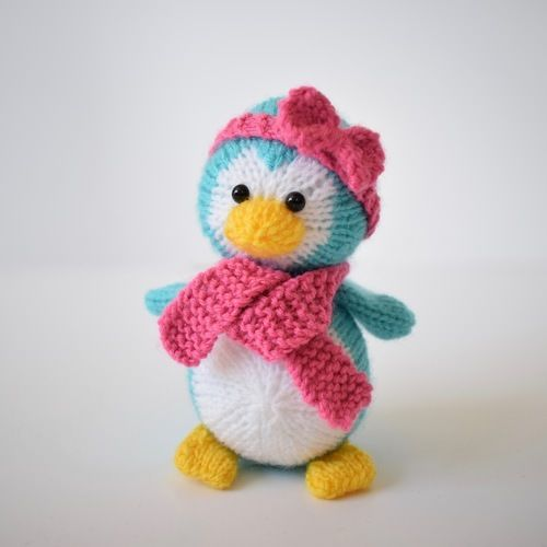 Makerist - Penny the Penguin - Knitting Showcase - 1