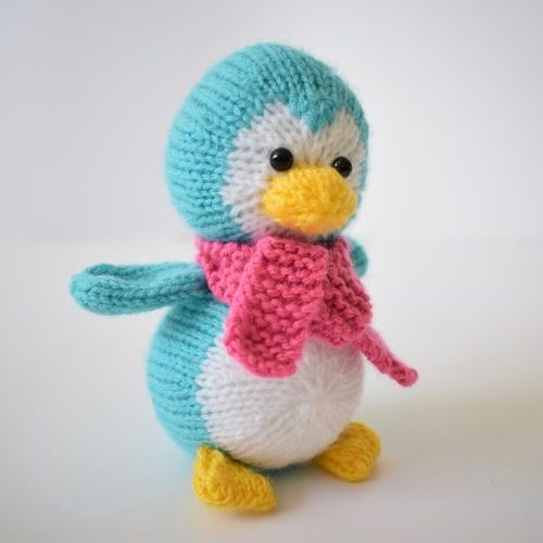 Makerist - Penny the Penguin - Knitting Showcase - 3