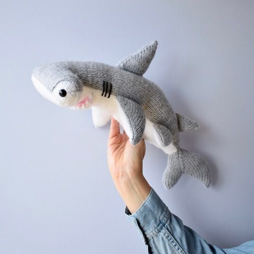 Makerist - Hammerhead Shark - Knitting Showcase - 1