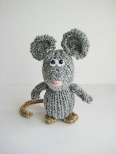 Makerist - Dinky Mice - Knitting Showcase - 1