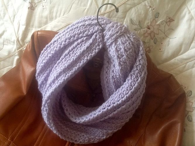 Makerist - Lavender Bouquet Infinity Scarf - Crochet Showcase - 1