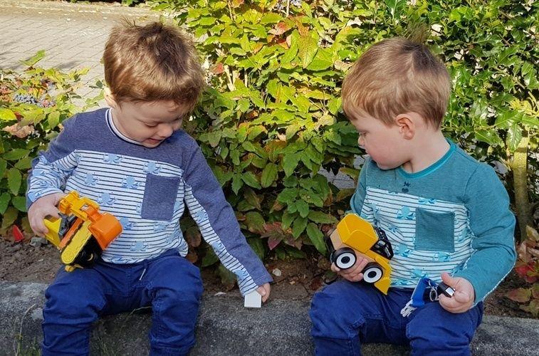 Makerist - Langarm-Shirts Bärliner Onkel gegengleich für Zwillinge - Nähprojekte - 1