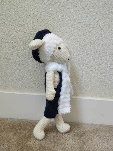 Makerist - Amigurumi – Philip the sheep - crochet – tutorial - Crochet Showcase - 3