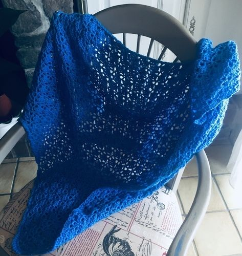 Makerist - Grand châle bleu - Créations de crochet - 3