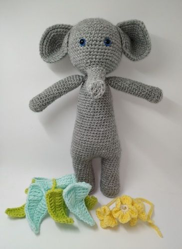 Makerist - Amigurumi – Constant the Elephant - crochet – tutorial - Crochet Showcase - 3