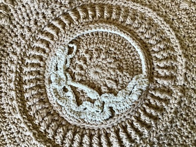 Makerist - Shabby Chic Throw - Crochet Showcase - 1