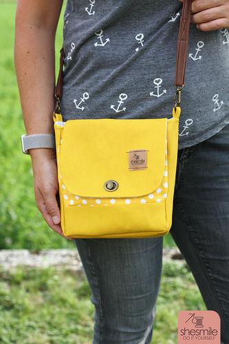 Makerist - Eine Handtasche Ulla in knallgelb und altgold! Ein Upcycling-Projekt! - Nähprojekte - 1