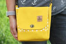 Makerist - Eine Handtasche Ulla in knallgelb und altgold! Ein Upcycling-Projekt! - 1