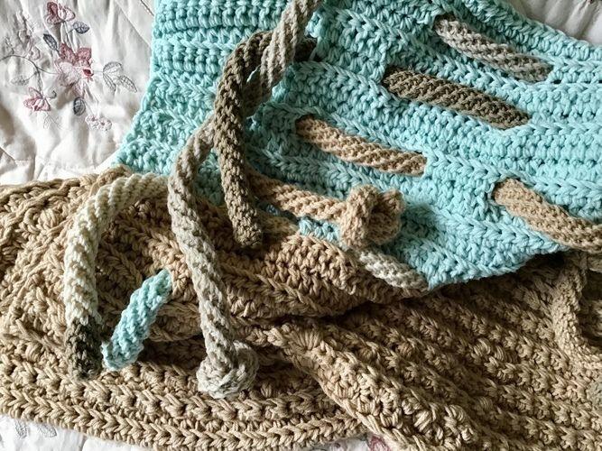 Makerist - The Lighthouse Throw - Crochet Showcase - 3