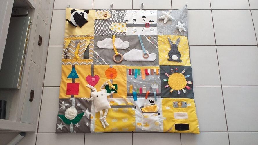 Makerist - Tapis d'éveil pour bébés. J'ai utilisé des carrés de coton et les chutes de tissus.  - Autres créations - 1