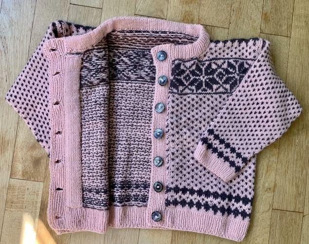 Makerist - Fair Isle Technik mit Steek - Kuschlige Kinder Jacke für meine Grossnichte - Strickprojekte - 2