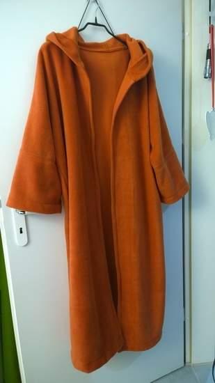Verkäuferin: Schnittliebe / Mantel Hamburg mit Kapuze aus Fleecestoff