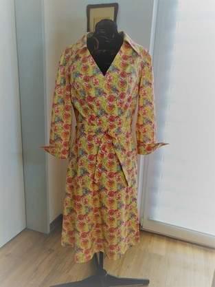 Und noch ein Wickelkleid...