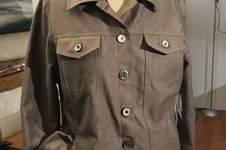 Makerist - Jeansjacke, upcycling aus gefärbtem Vorhang - 1