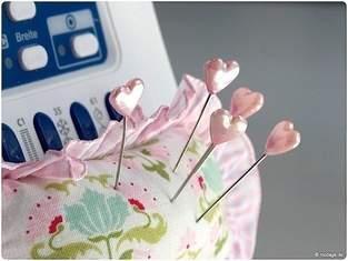 Ein Nadelkissen für die Nähmaschine